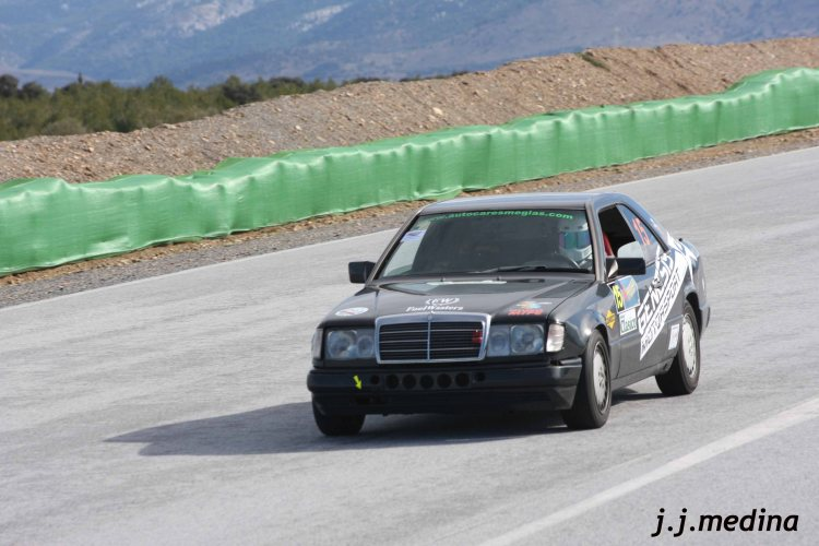 18 Mercedes CE300 de Sunday Drivers
