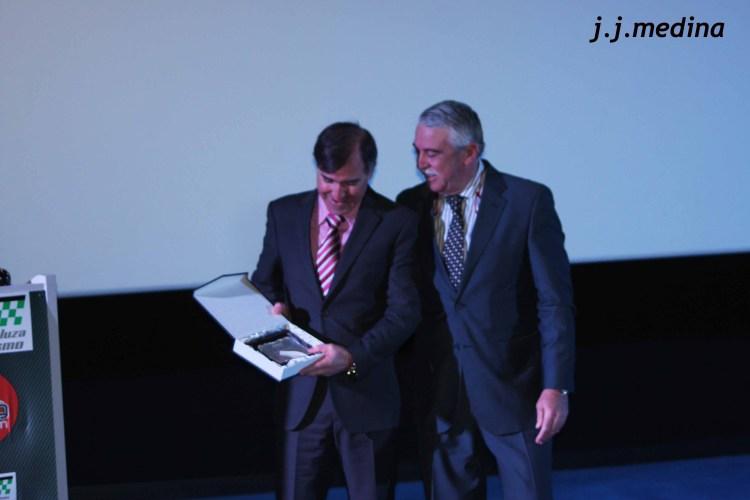 Placa a Gabriel Villalobos