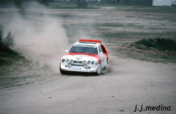 Lancia Delta S4 en la tierra