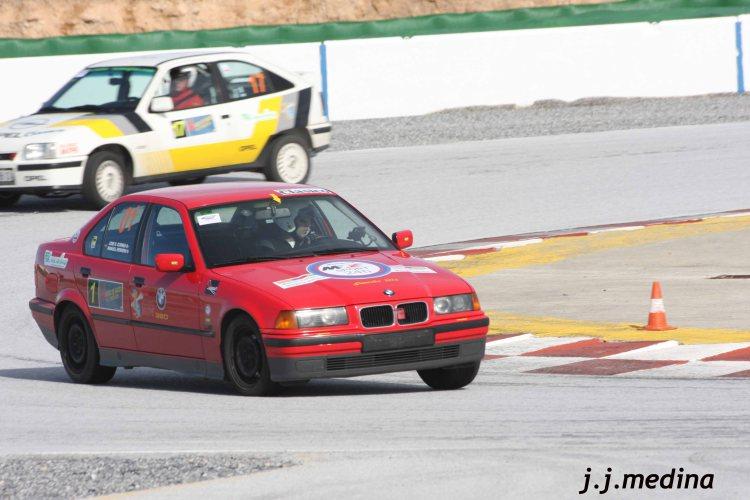 BMW 1 320i y Opel Astra Gsi