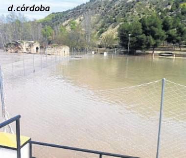 campo de fútbol de Jauja  inundado