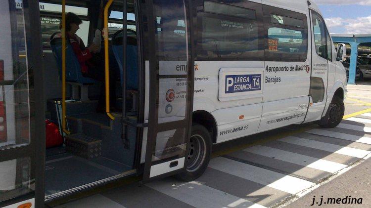 Microbús Parking Larga Estancia T4