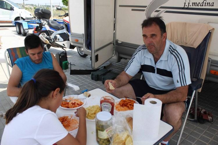 Cordero-Martín comiendo