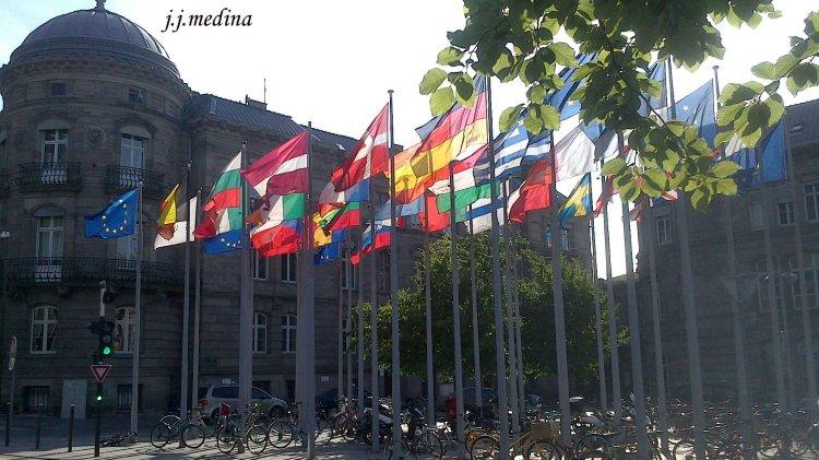 Banderas de países CEE en Estrasburgo