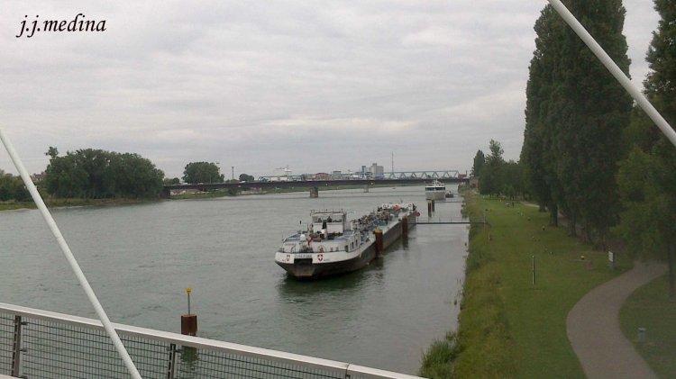 El río  Rhin junto a Estrasburgo