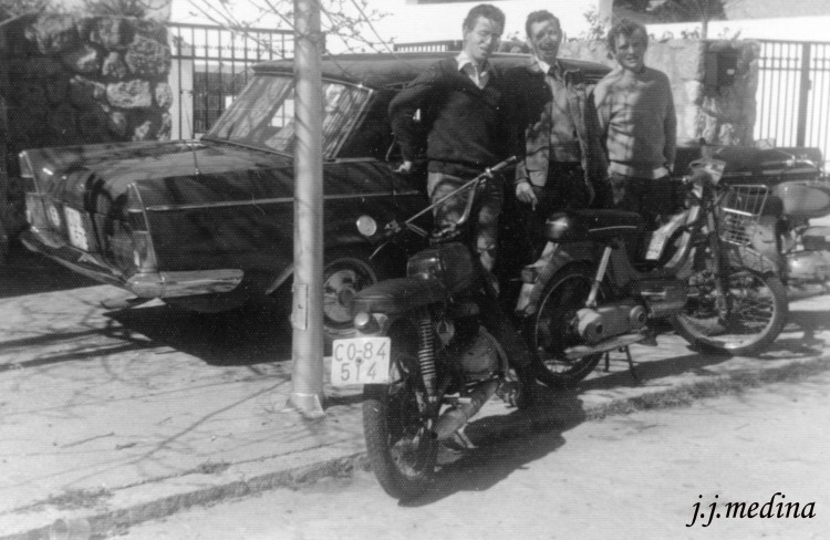 Seat 1500, Bultaco Junior y Vespino