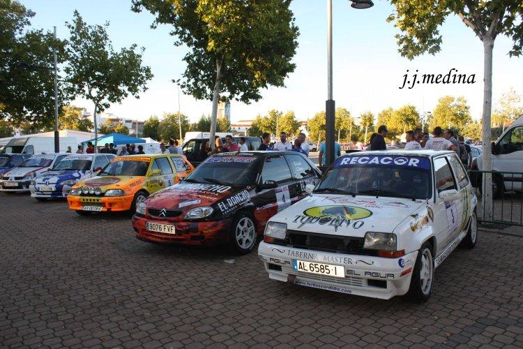 Renault 5 Gt Turbo de Juan de León y Citroën Saxo VTS de Germán Leal