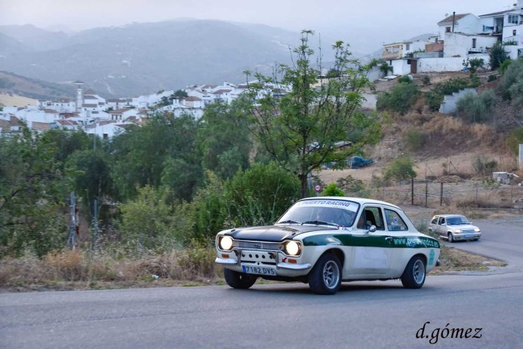 12 Escort y R5 GT en Ríogordo