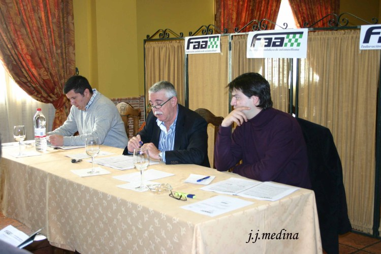 10 mesa presidencial asamblea 2010 copia