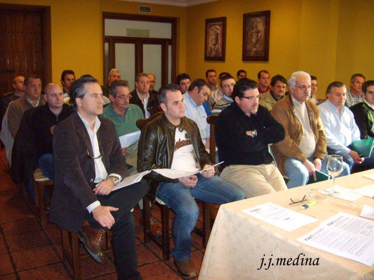 11 asistentes asamblea 2010 copia